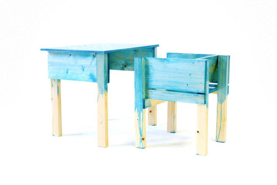 niederl ndischer schreibtisch und stuhl von lucas maassen sons f r kinder modern 2013 bei. Black Bedroom Furniture Sets. Home Design Ideas