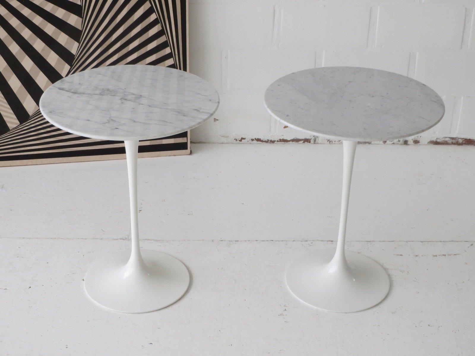 Table d 39 appoint tulipe ronde avec dessus en marbre carara par eero saarinen pour knoll belgique - Table d appoint marbre ...