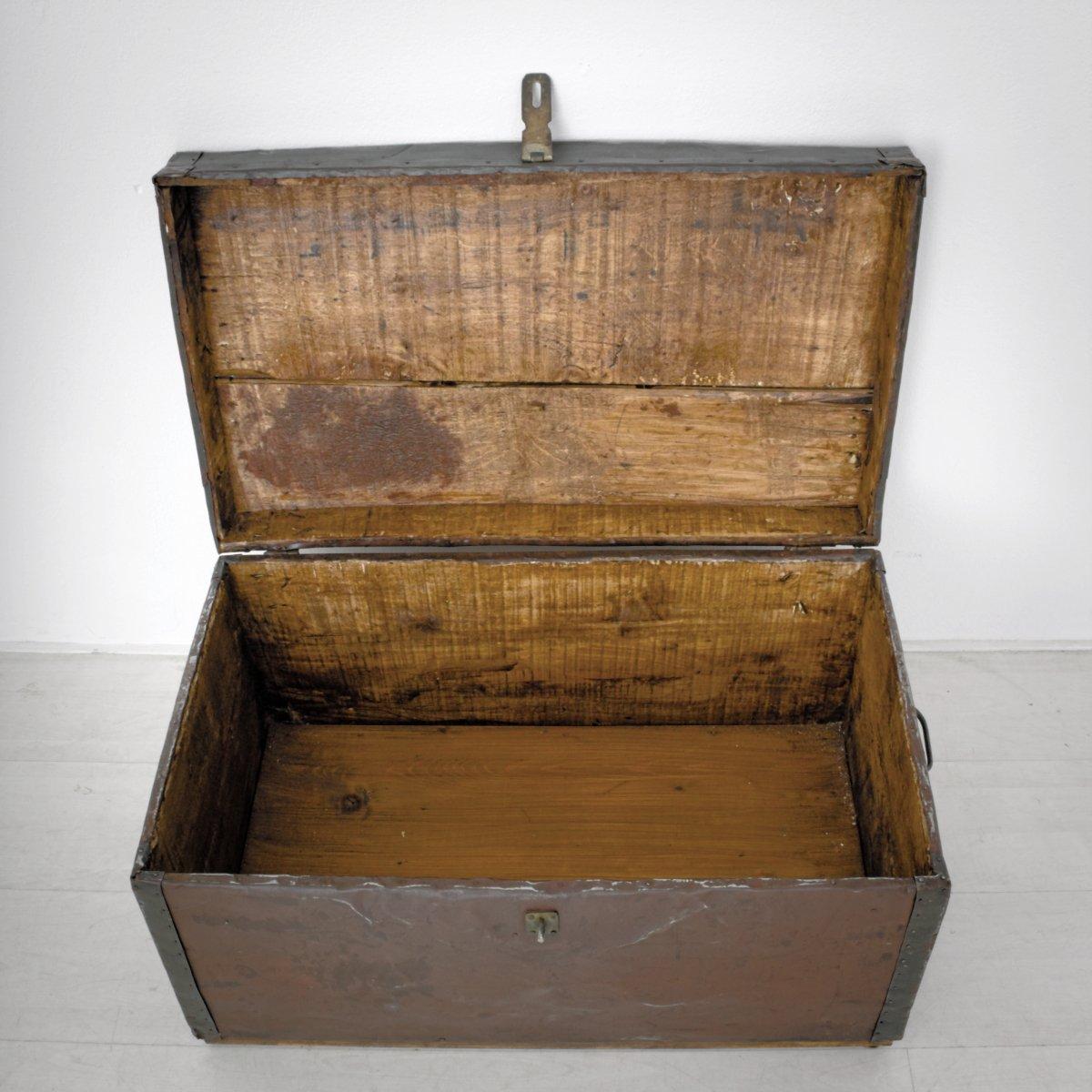 kiste aus metall holz 1900er bei pamono kaufen. Black Bedroom Furniture Sets. Home Design Ideas
