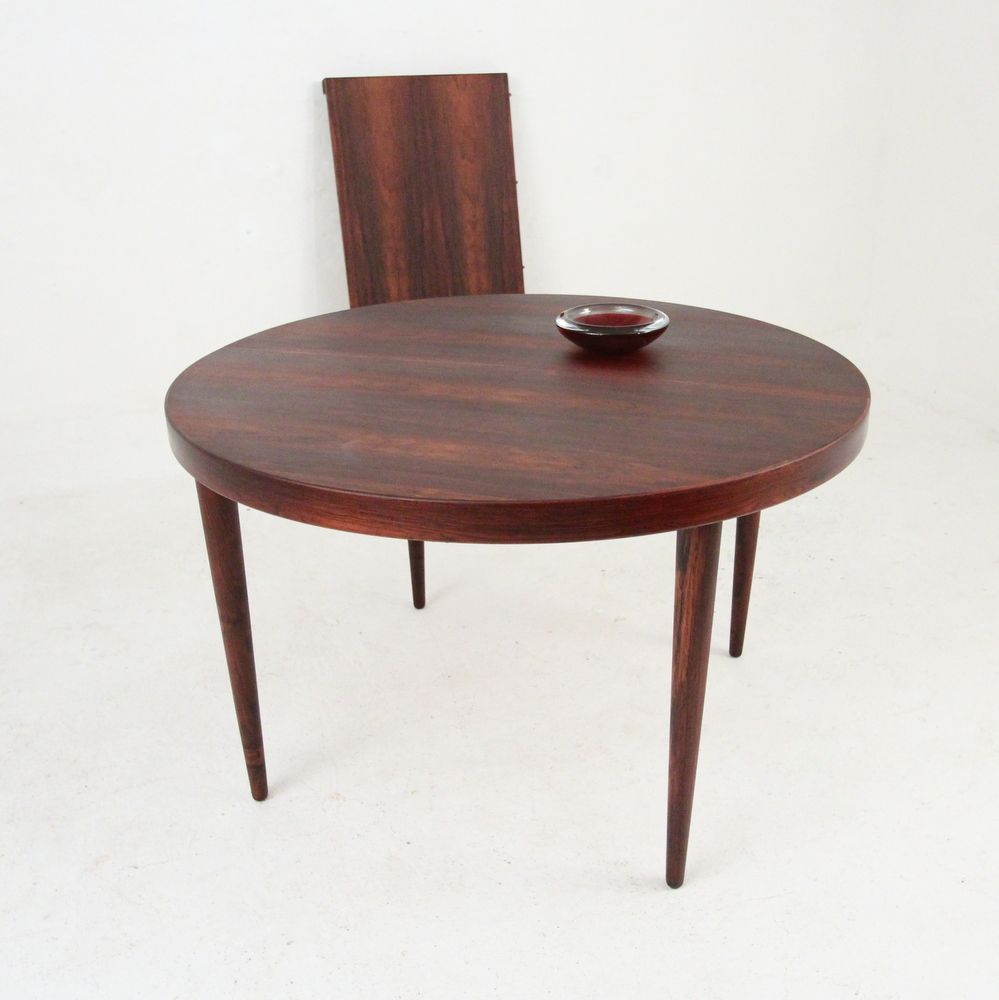 Mid century round extendable rosewood dining table by kai for Mid century round dining table