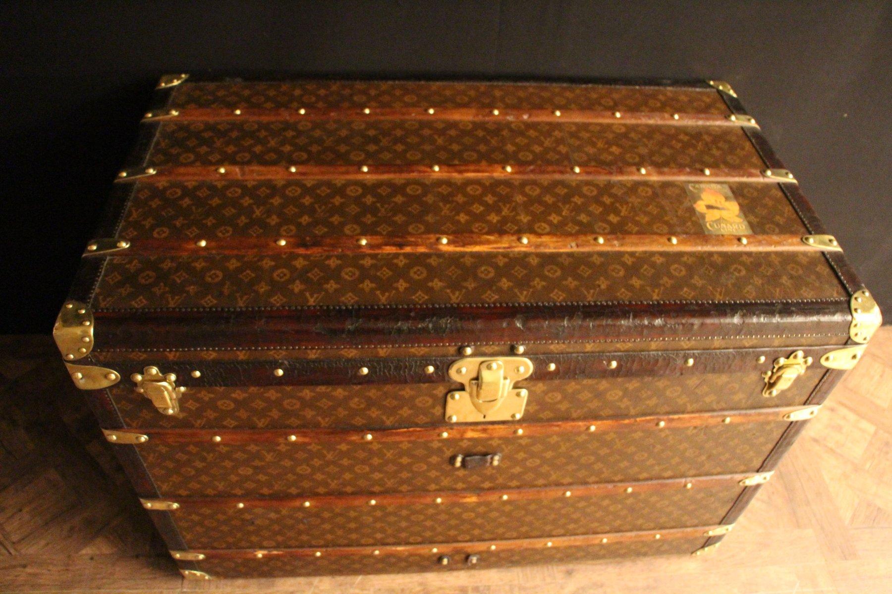 extra gro e franz sische vintage reisetruhe von louis vuitton 1920er bei pamono kaufen. Black Bedroom Furniture Sets. Home Design Ideas