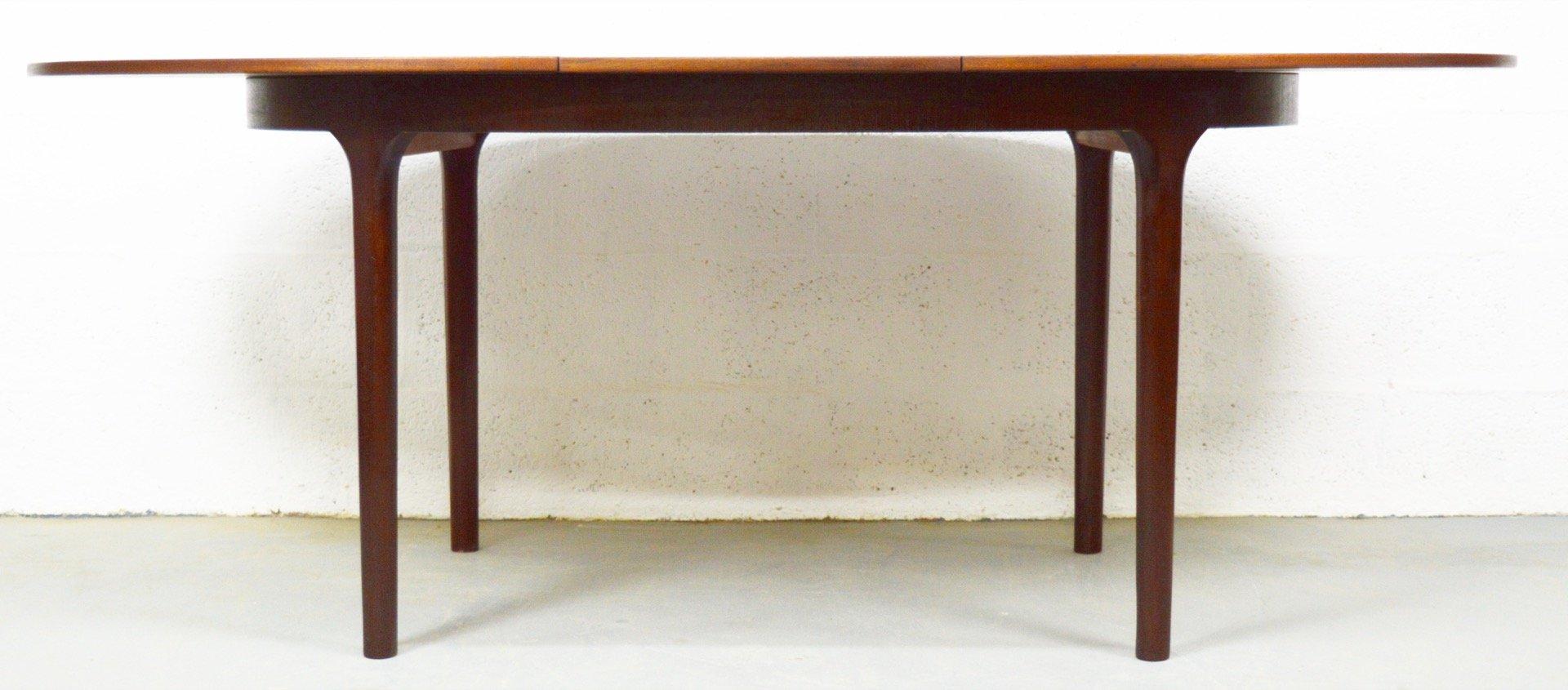 Cette ann e 4111 table salle a manger ovale moderne avec for Table de salle a manger ovale