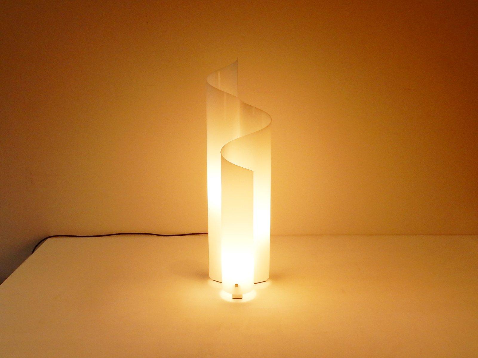 Lampada da tavolo di vico magistretti per artemide with lampada da tavolo artemide - Lampada da tavolo vico magistretti ...