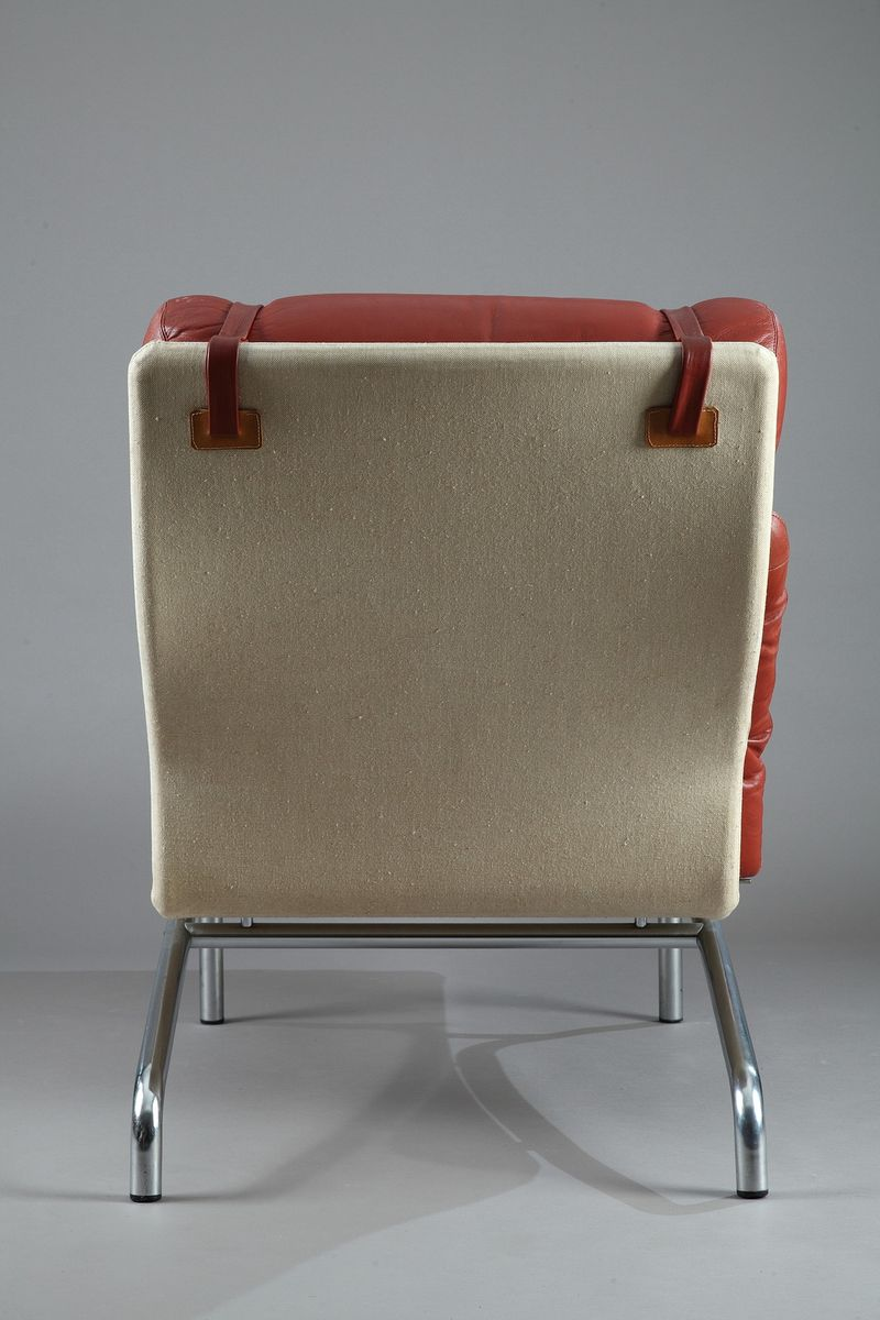 Chaise longue with a mat chromed steel frame and red for Chaise longue for sale