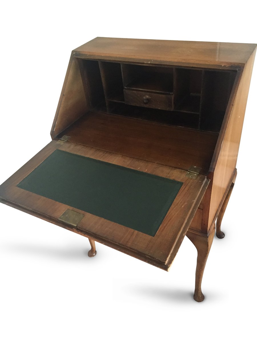 britischer vintage bureau schreibtisch aus heller eiche. Black Bedroom Furniture Sets. Home Design Ideas