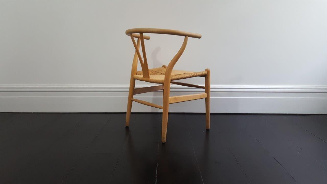 d nischer mid century ch24 wishbone stuhl von hans j wegner f r carl hansen s n bei pamono kaufen. Black Bedroom Furniture Sets. Home Design Ideas