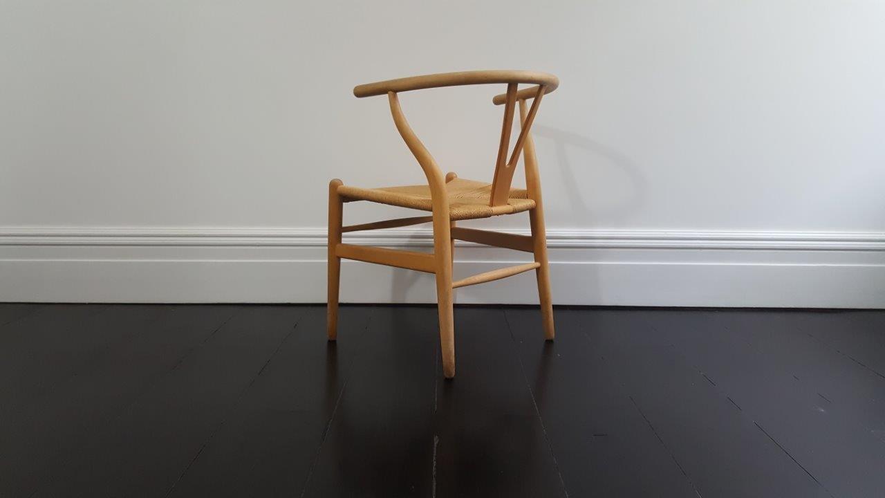 d nischer mid century ch24 wishbone stuhl von hans j. Black Bedroom Furniture Sets. Home Design Ideas