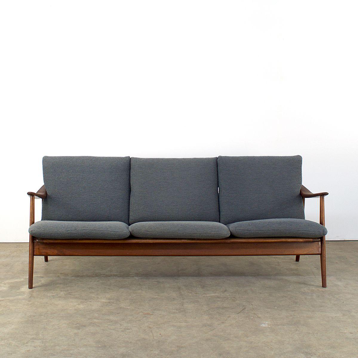 graues mid century teakholz sofa bei pamono kaufen. Black Bedroom Furniture Sets. Home Design Ideas
