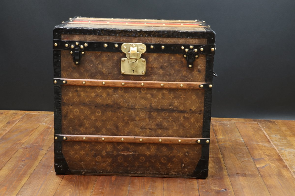 monogrammed fabric ladies 39 hat trunk from louis vuitton 1900 for sale at pamono. Black Bedroom Furniture Sets. Home Design Ideas