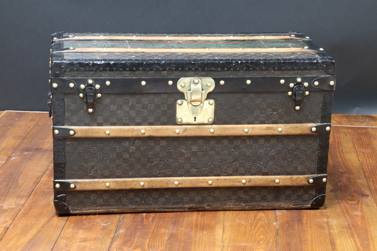damier trunk from louis vuitton 1900 for sale at pamono. Black Bedroom Furniture Sets. Home Design Ideas