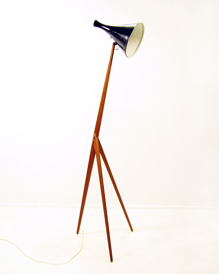 swedish praying mantis floor lamp by uno kristiansson for luxus 1960s. Black Bedroom Furniture Sets. Home Design Ideas