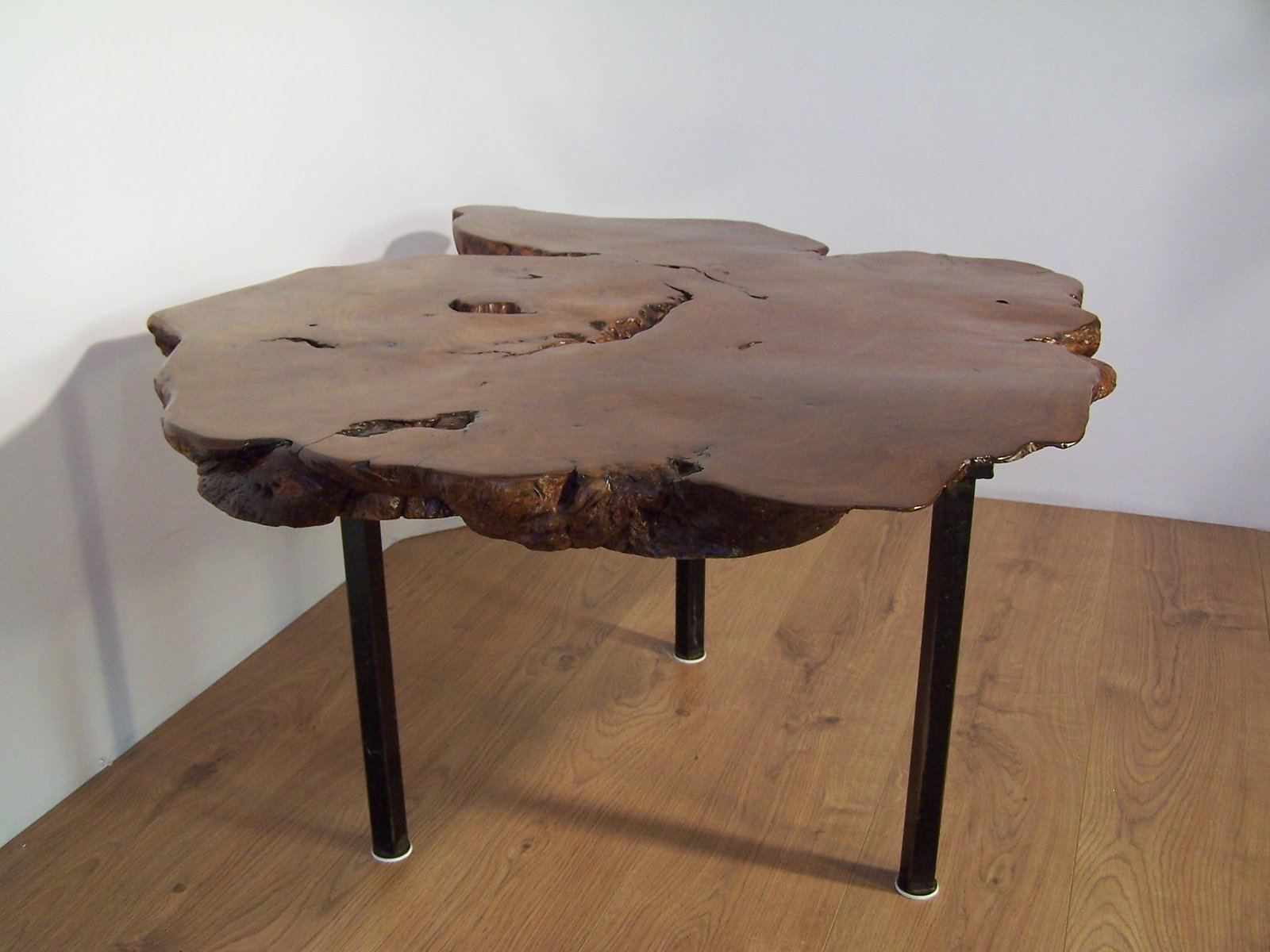 Table basse tronc d 39 arbre en orme en vente sur pamono for Table plateau tronc d arbre