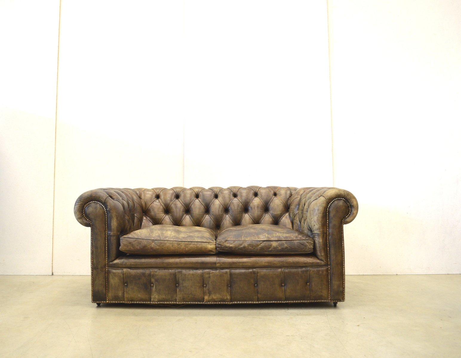 englisches vintage chesterfield zwei sitzer ledersofa in dunkelbraun 1950er bei pamono kaufen. Black Bedroom Furniture Sets. Home Design Ideas