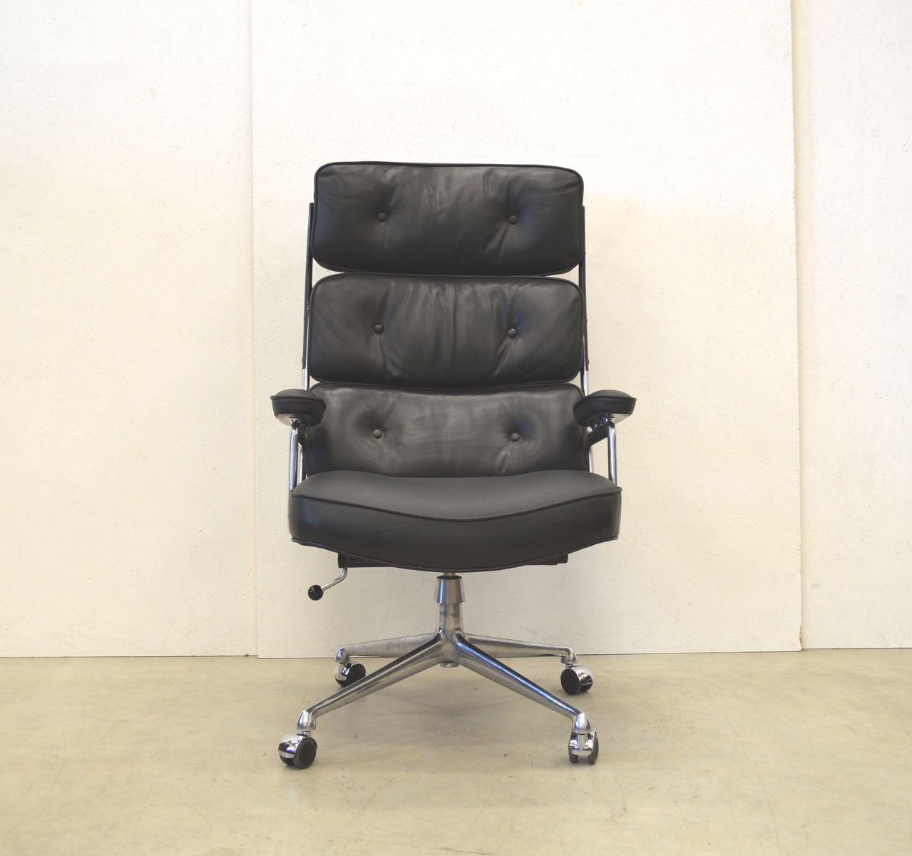 High back lobby chair by herman miller eames 1960s for for Eames lobby chair replica