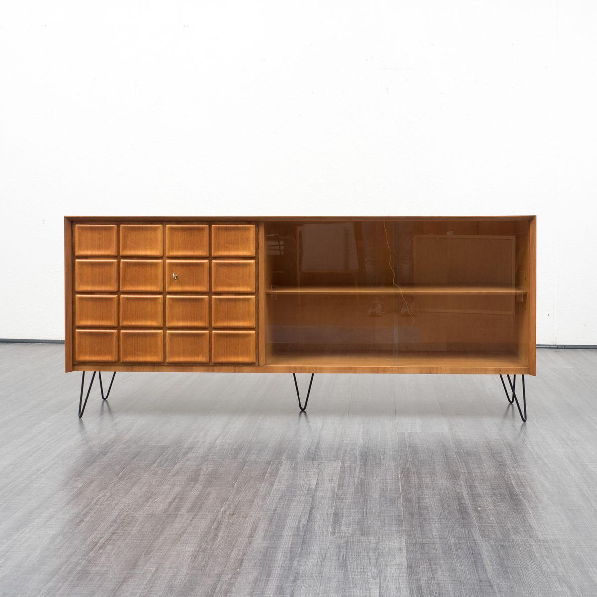 walnuss sideboard mit vitrine und t rverkleidung 1960er bei pamono kaufen. Black Bedroom Furniture Sets. Home Design Ideas
