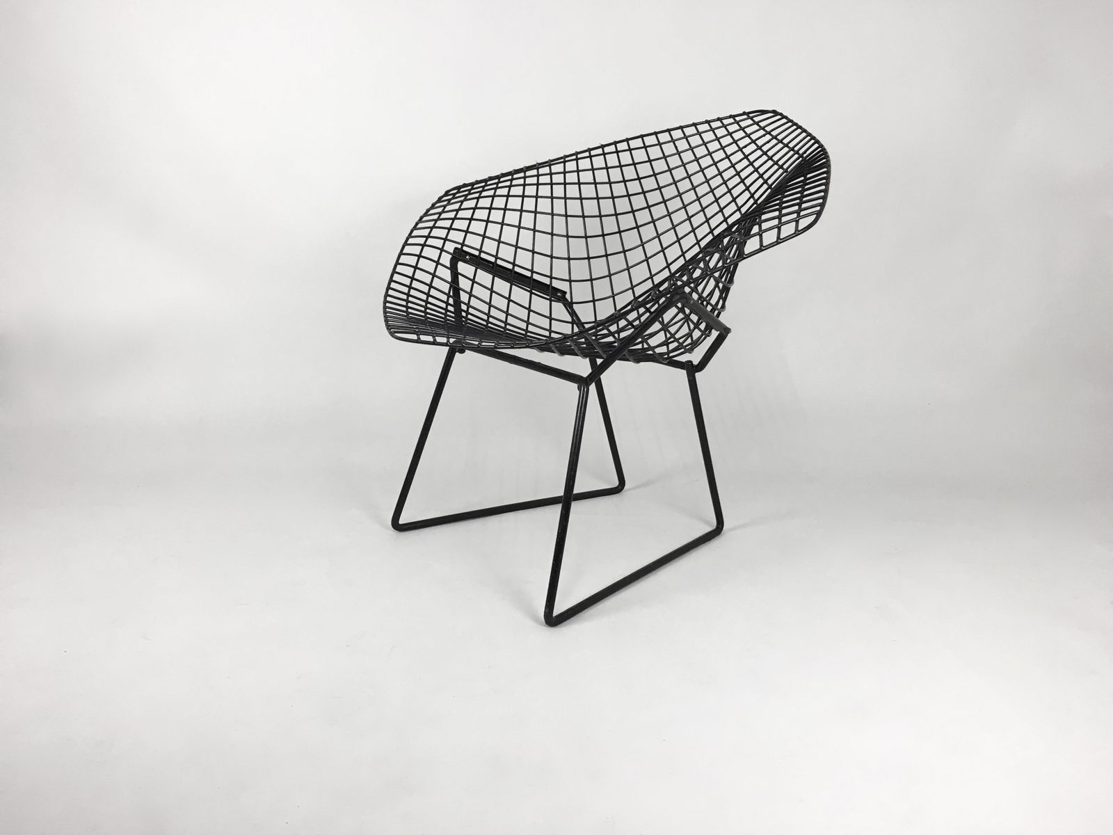 chaise diamond noir par harry bertoia pour knoll en vente sur pamono. Black Bedroom Furniture Sets. Home Design Ideas