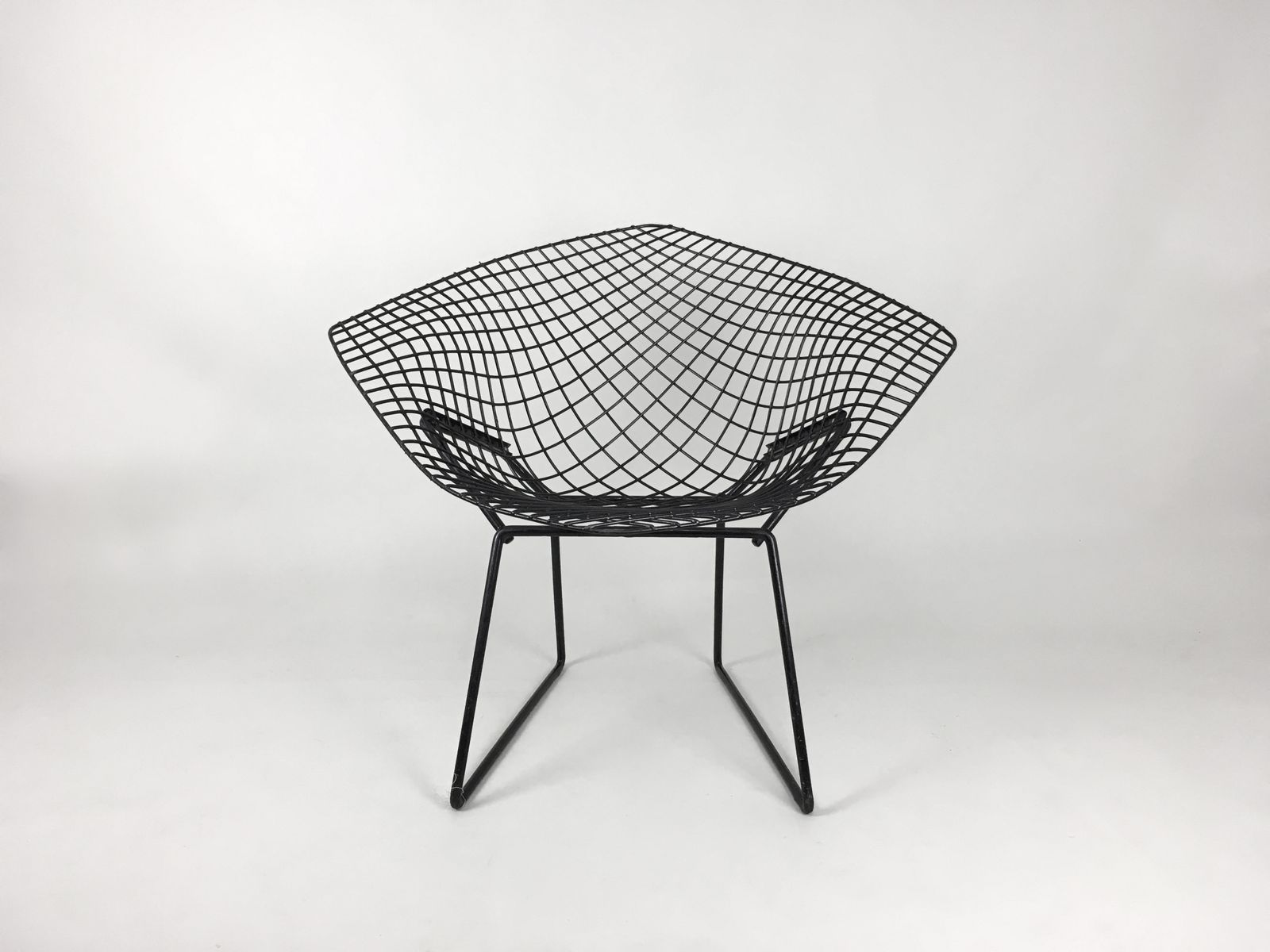 chaise diamond noir par harry bertoia pour knoll en vente. Black Bedroom Furniture Sets. Home Design Ideas