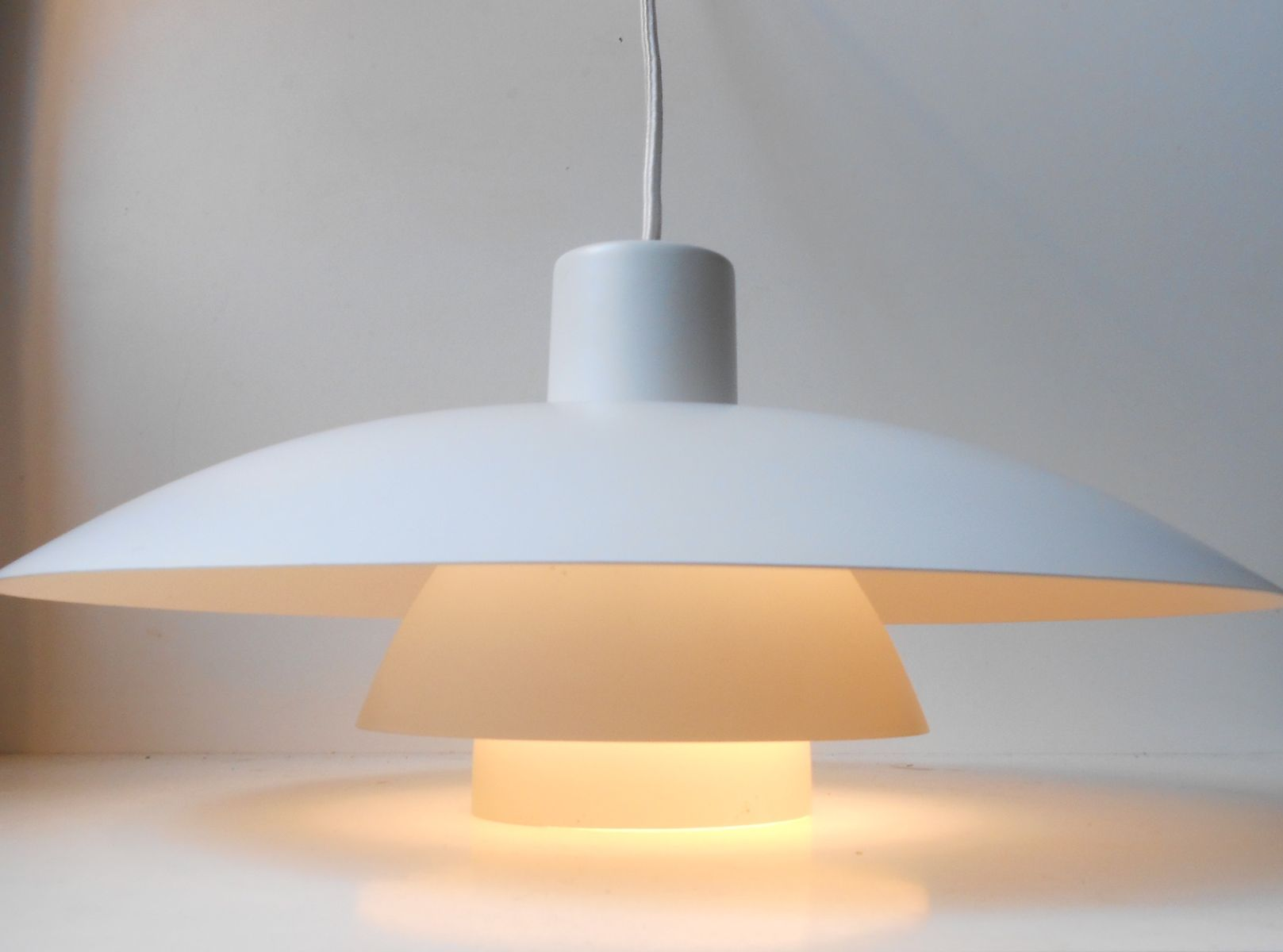 ph 4 3 pendant lamps by poul henningsen for louis poulsen. Black Bedroom Furniture Sets. Home Design Ideas