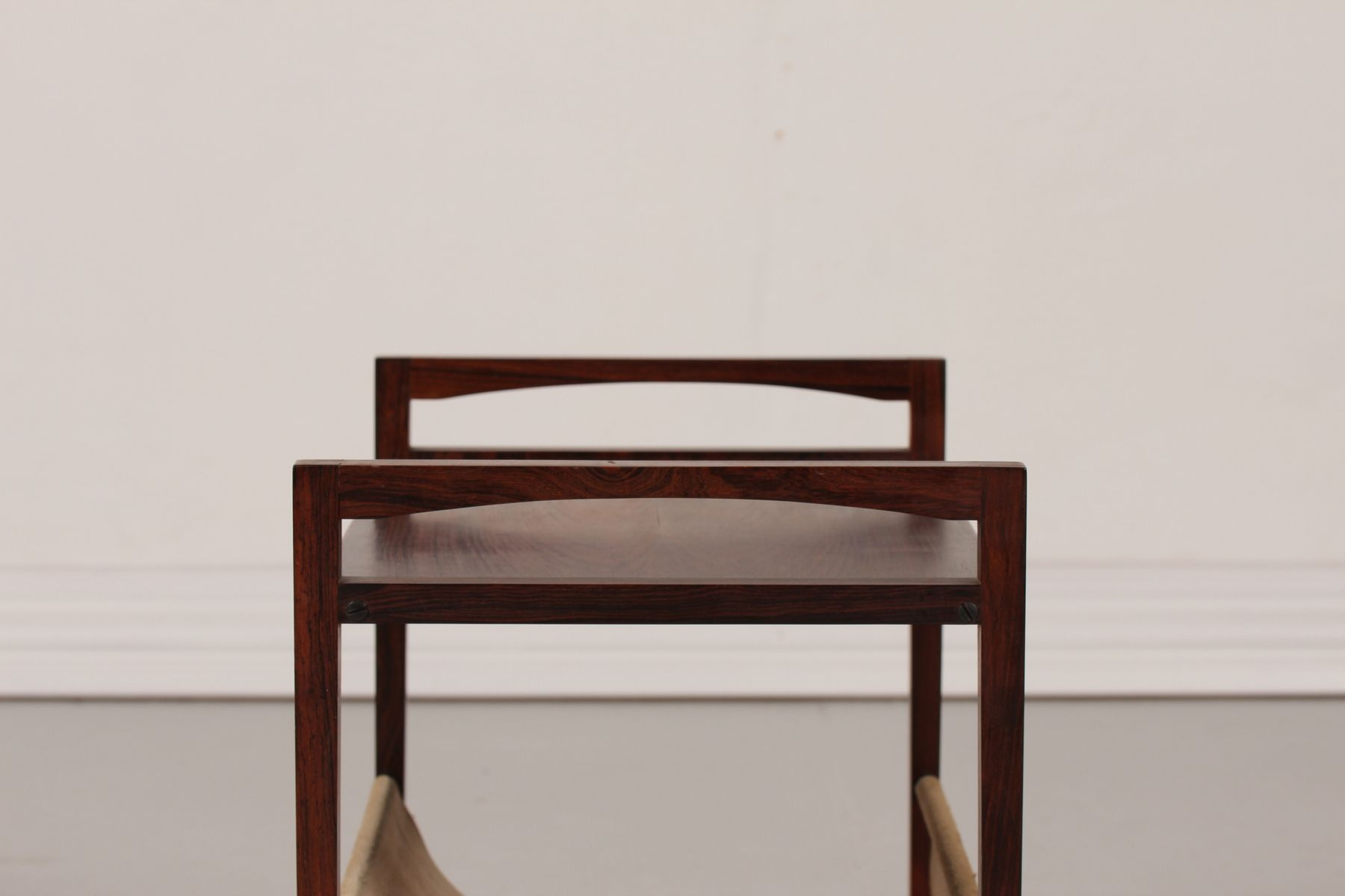 palisander und leder beistelltisch und zeitschriftenhalter 1960er bei pamono kaufen. Black Bedroom Furniture Sets. Home Design Ideas