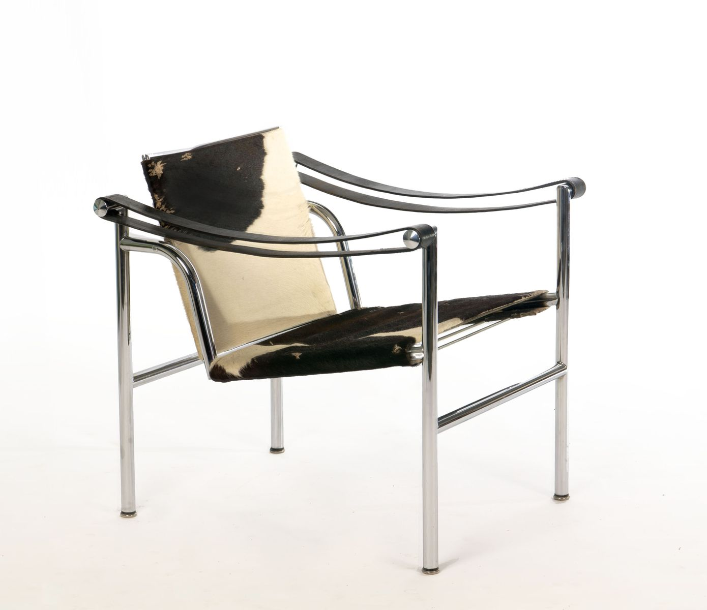 dutch pony skin lc1 armchair by le corbusier for cassina for sale at pamono. Black Bedroom Furniture Sets. Home Design Ideas