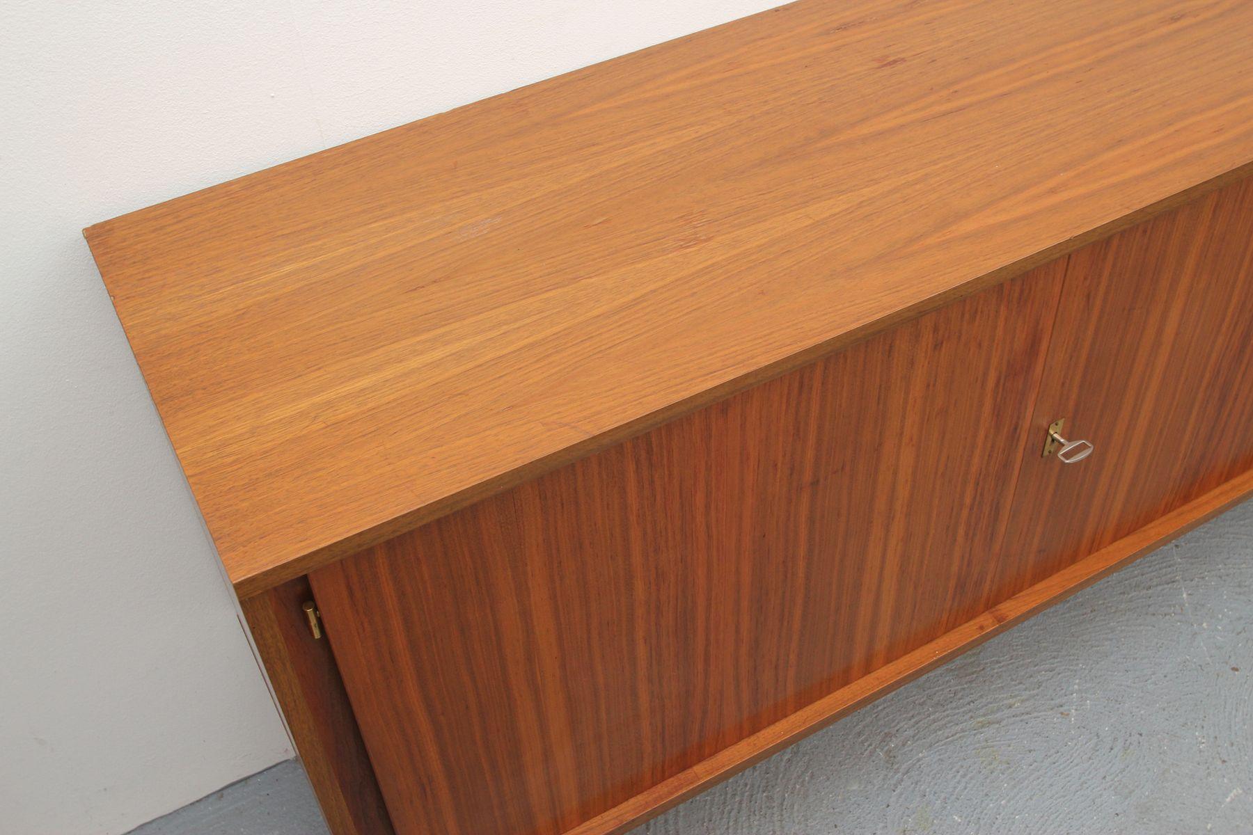 langes sideboard mit nussholz furnier bei pamono kaufen. Black Bedroom Furniture Sets. Home Design Ideas