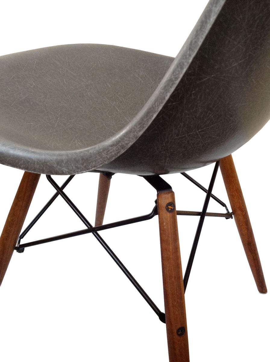 Dsw dining chair by charles ray eames for herman miller for Dsw charles eames