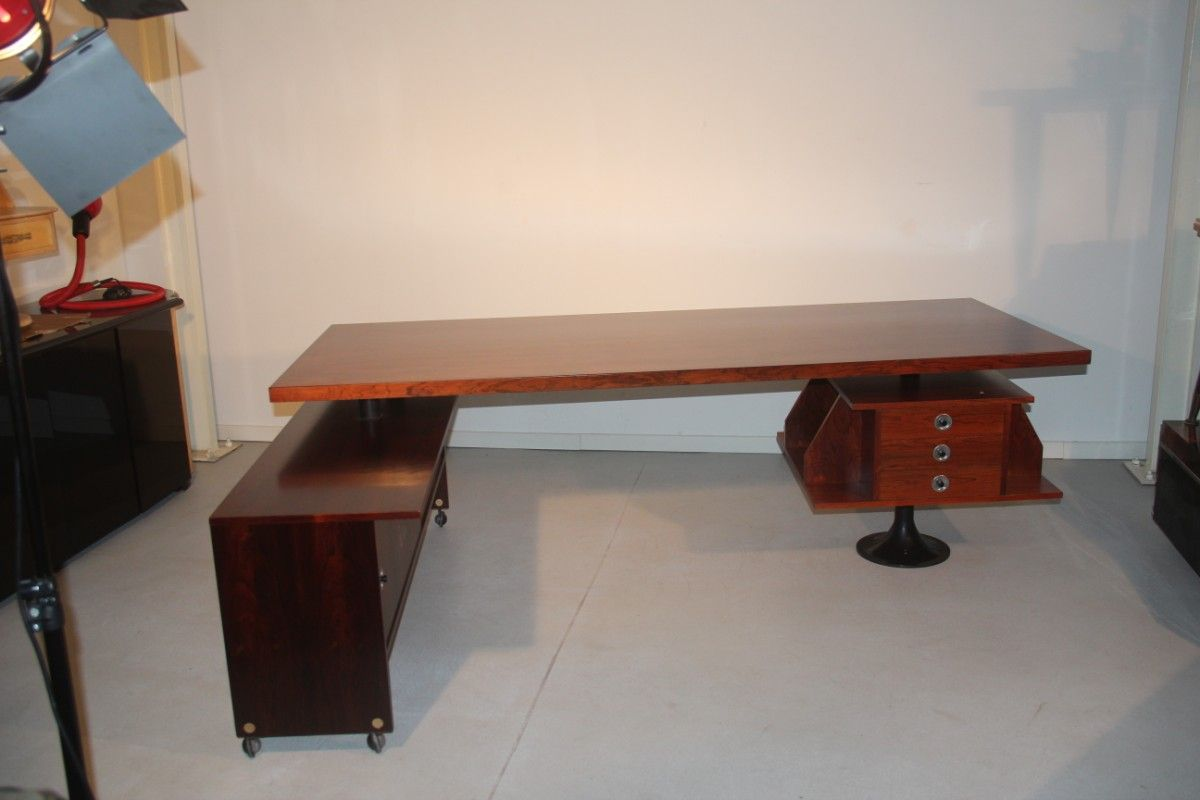 revolvierender italienischer palisander schreibtisch. Black Bedroom Furniture Sets. Home Design Ideas