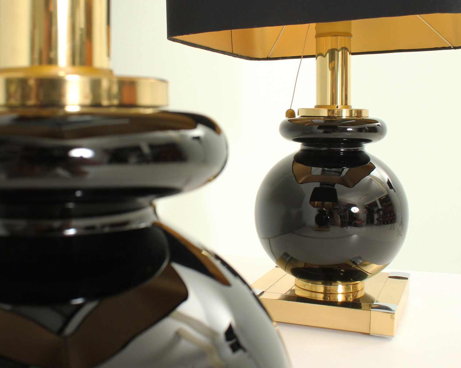 Lampade da tavolo in ottone e vetro di Lumica, anni '70, set di 2 in vendita su Pamono