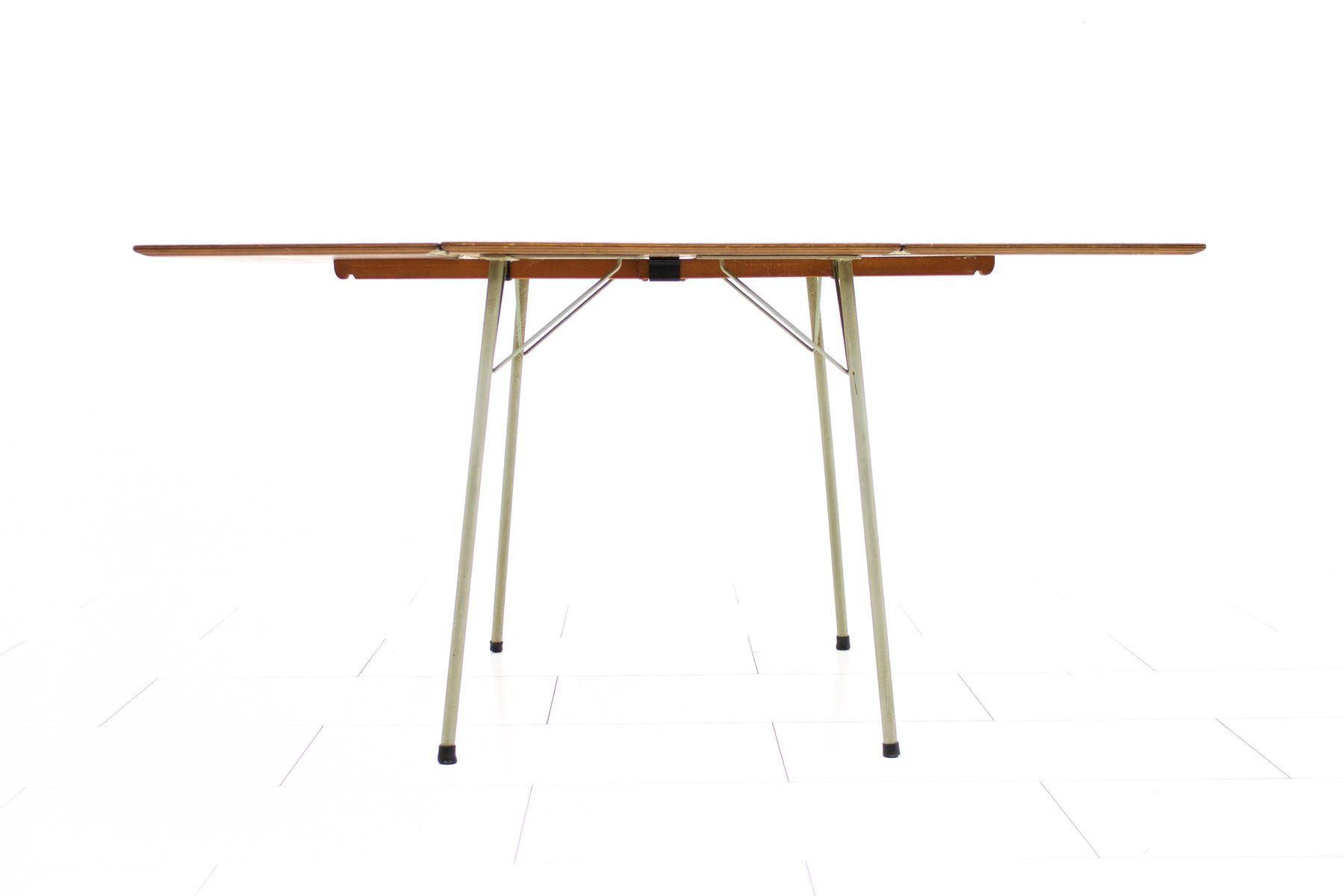 Table de salle manger en teck avec abattant par arne for Table salle a manger solde