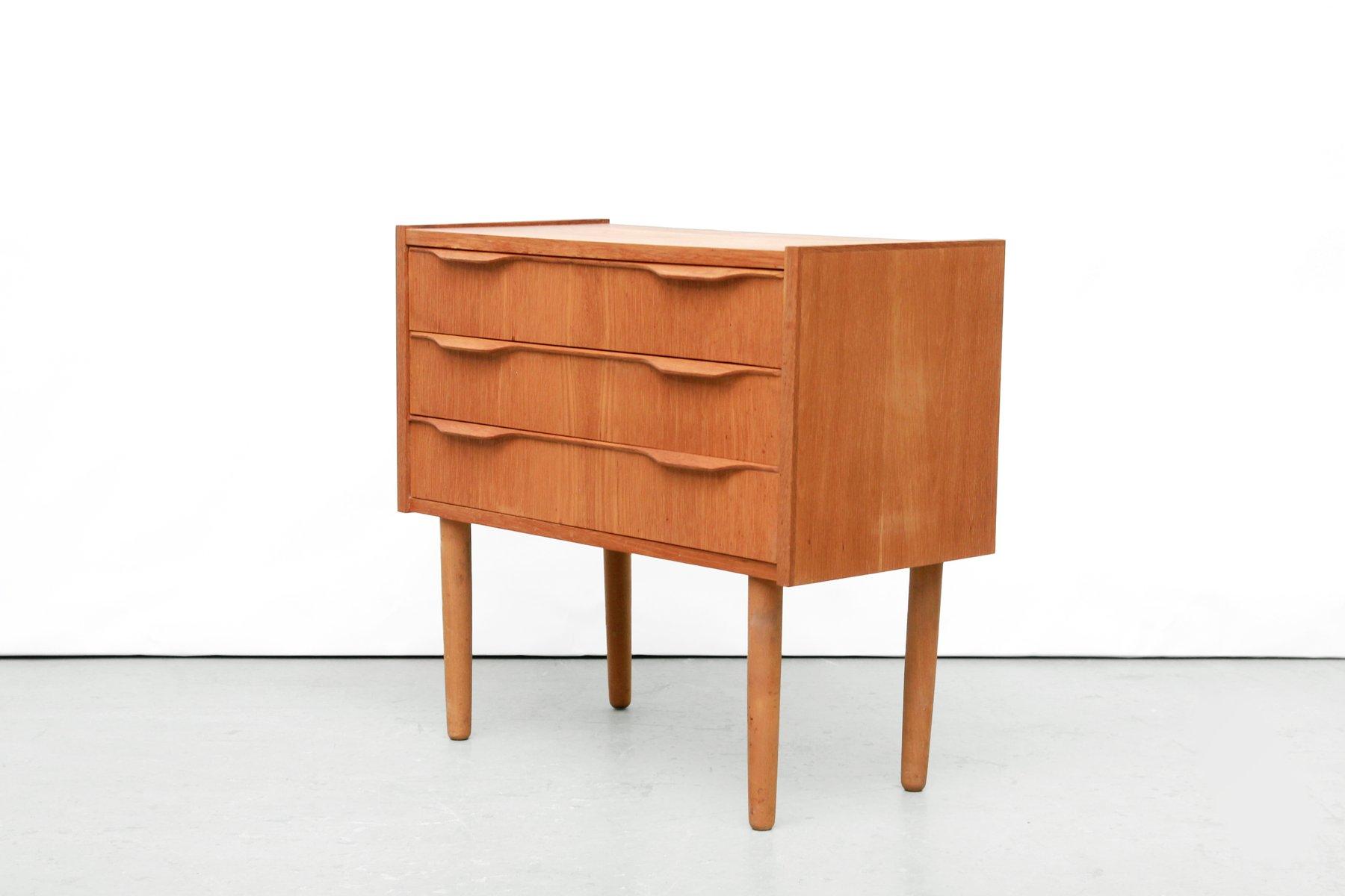 moderne d nische kommode aus eiche 1960er bei pamono kaufen. Black Bedroom Furniture Sets. Home Design Ideas