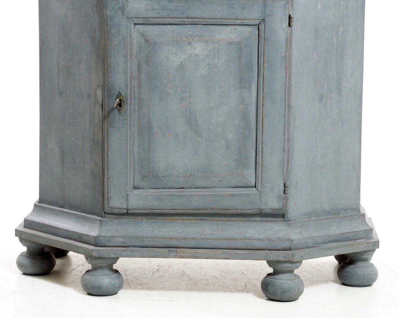 antiker schwedischer barocker schrank mit originalem. Black Bedroom Furniture Sets. Home Design Ideas