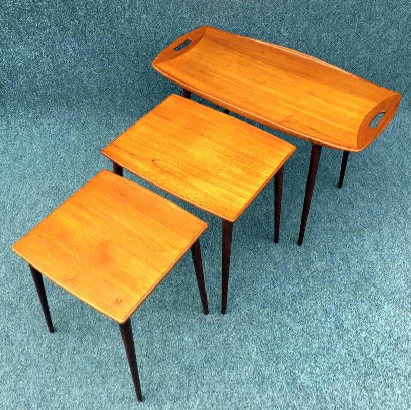 Tavoli a incastro in teak di Jens Quistgaard, anni \'60 in vendita su ...