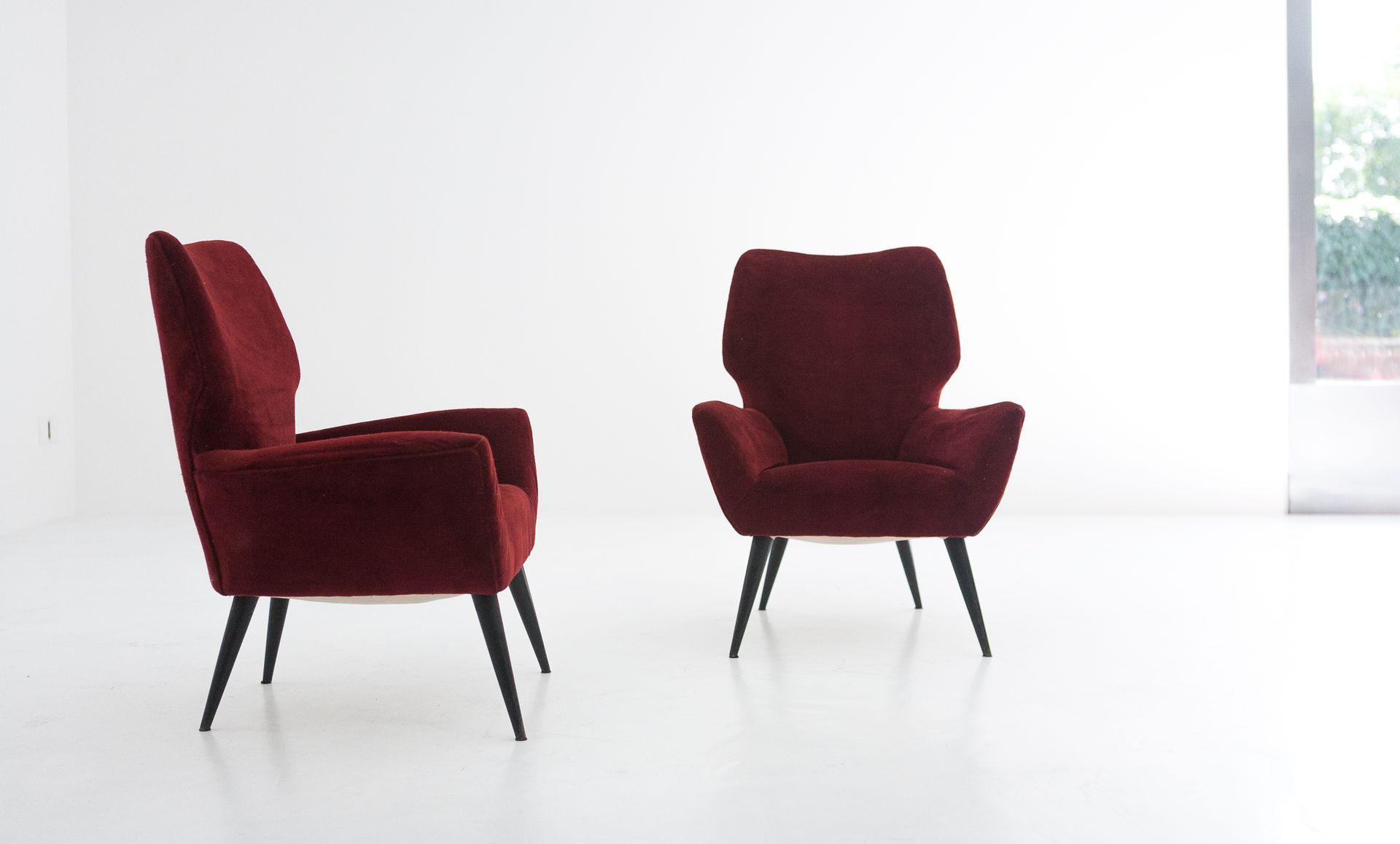rote italienische samt sessel 1950er 2er set bei pamono kaufen. Black Bedroom Furniture Sets. Home Design Ideas