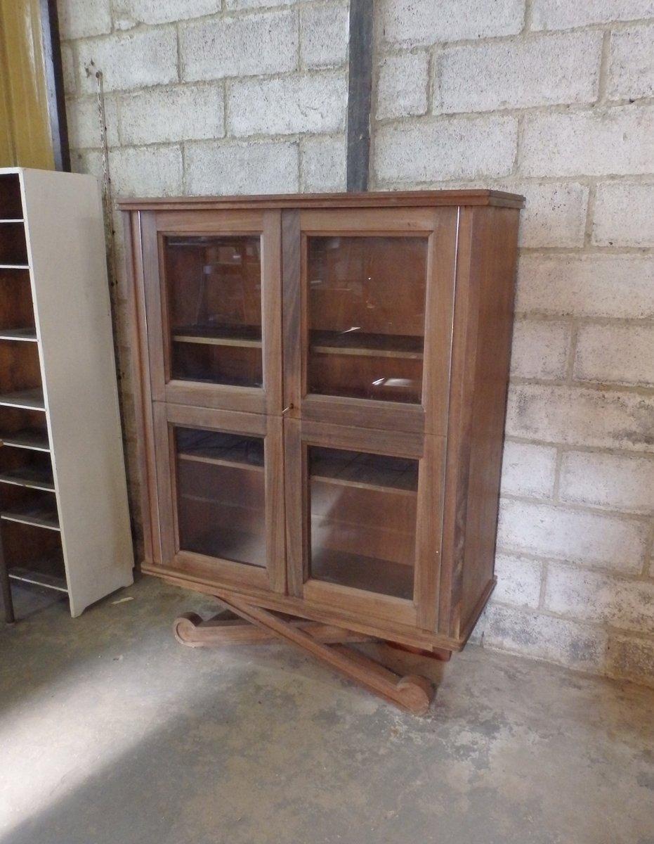 meuble vitrine vintage deux portes en vente sur pamono. Black Bedroom Furniture Sets. Home Design Ideas