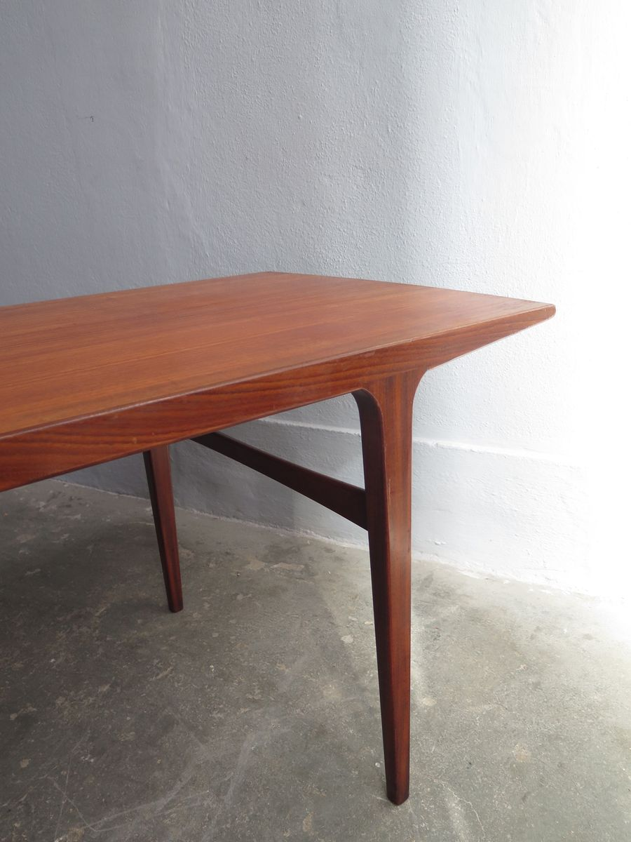 Mid Century Teak Coffee Table With Rounded Edges For Sale
