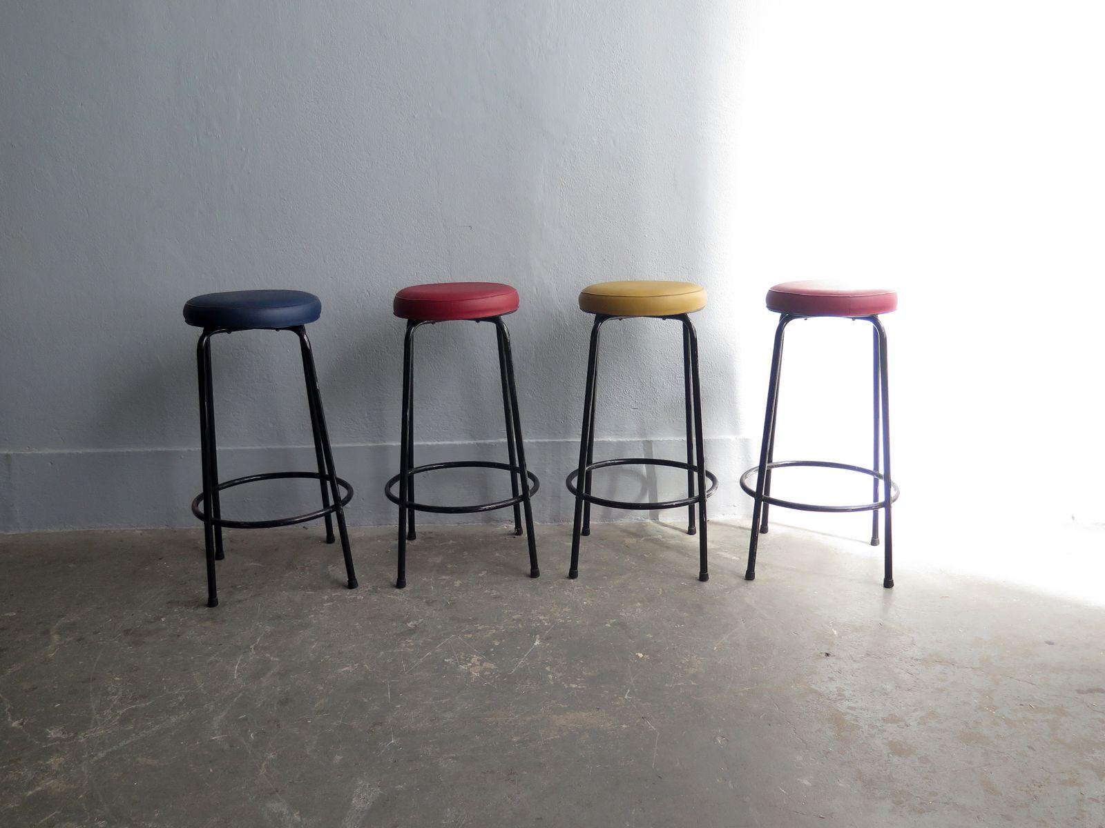 mehrfarbige vintage barhocker 4er set bei pamono kaufen. Black Bedroom Furniture Sets. Home Design Ideas