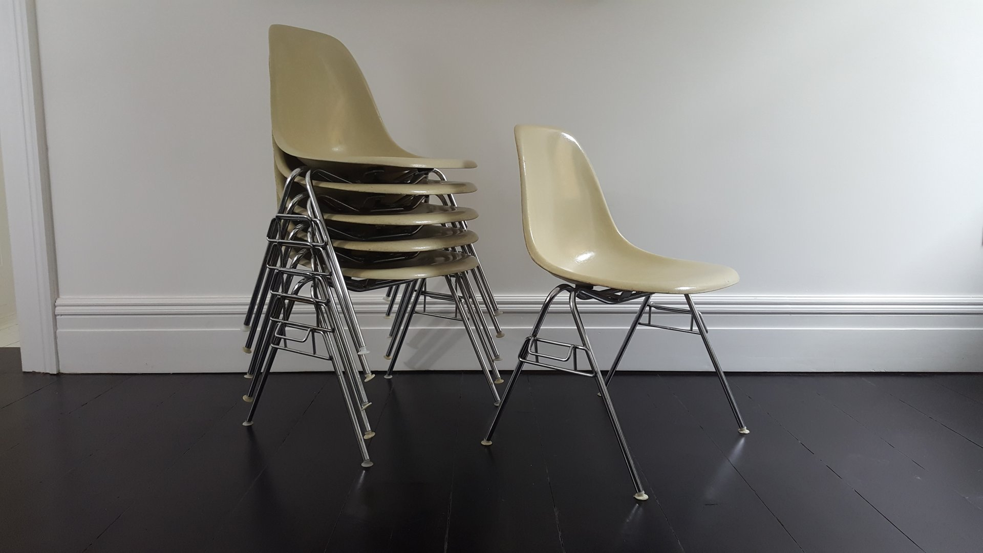 Family room herman miller eames chairs - Vintage Dss Fiberglass Shell Chair By Charles Ray Eames For Herman Miller
