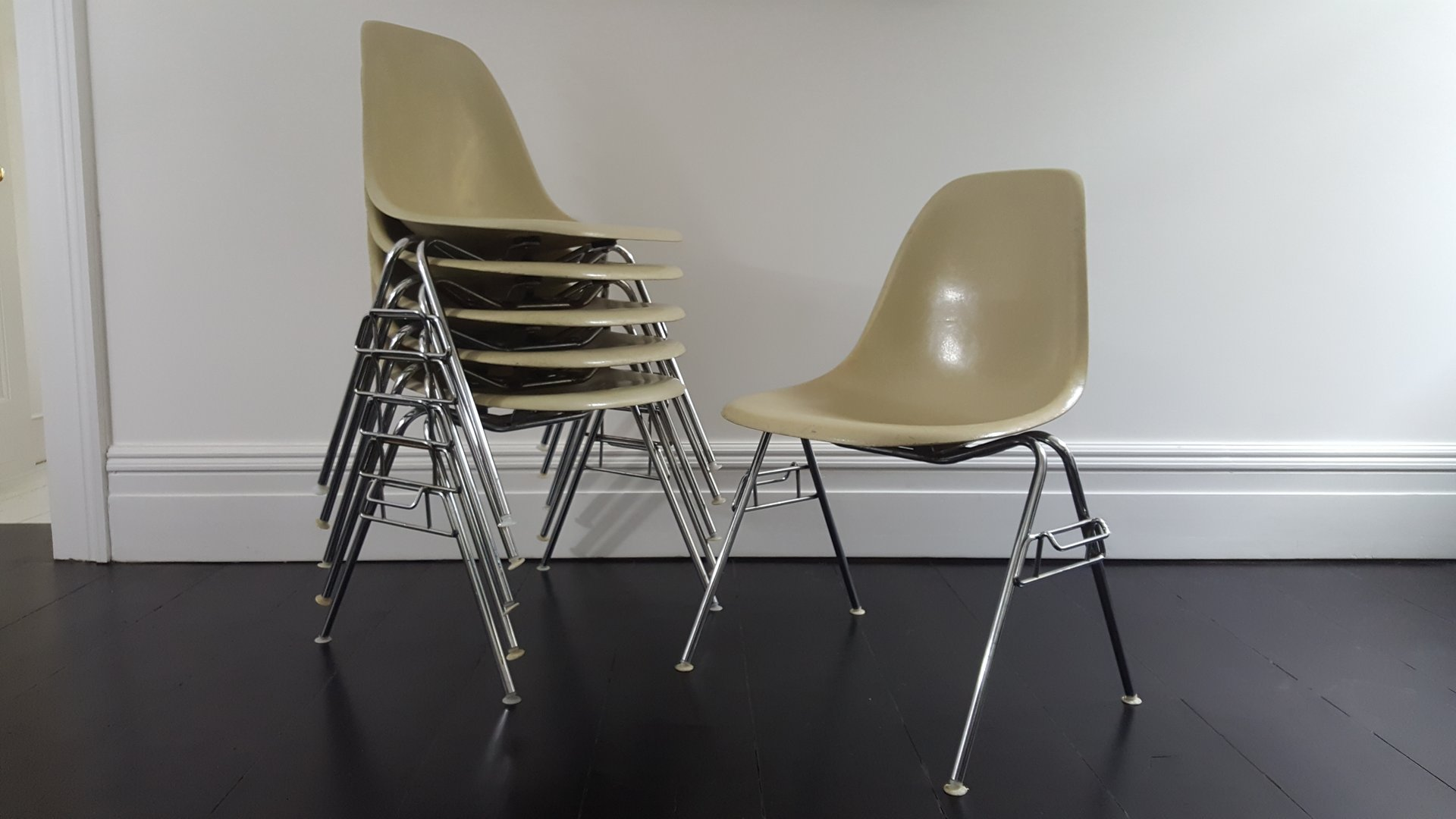 vintage dss fiberglass shell chair by charles ray eames. Black Bedroom Furniture Sets. Home Design Ideas