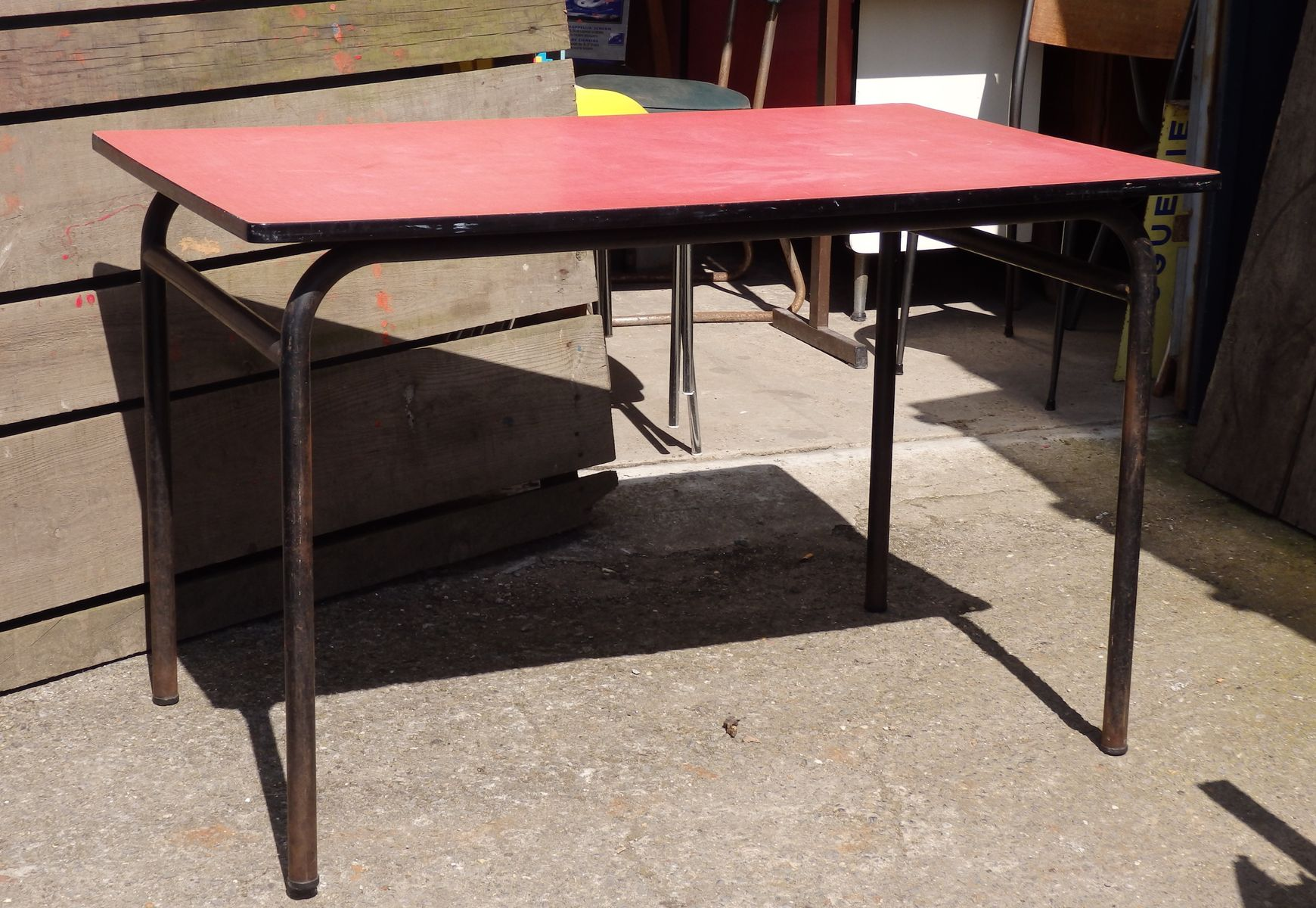Pink formica canteen table for sale at pamono for Formica table