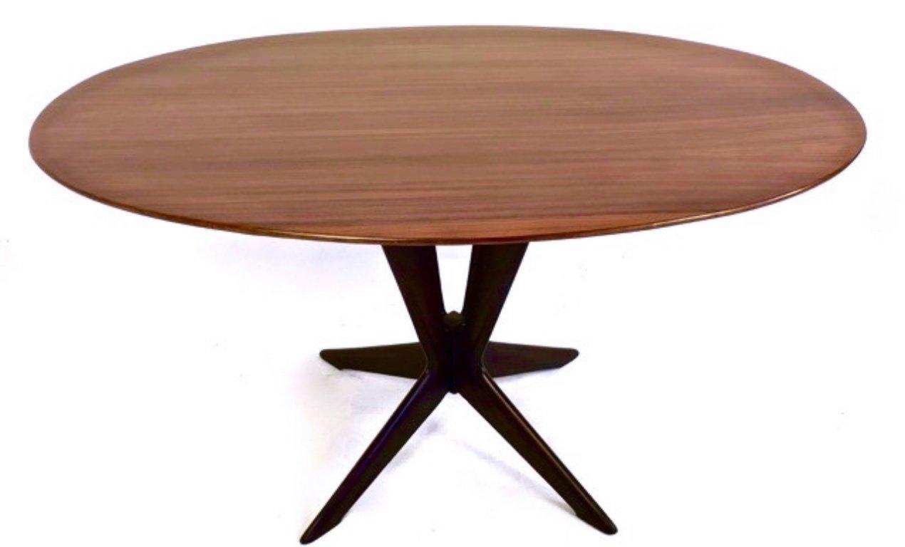 table de salle manger ronde en palissandre et en h tre. Black Bedroom Furniture Sets. Home Design Ideas