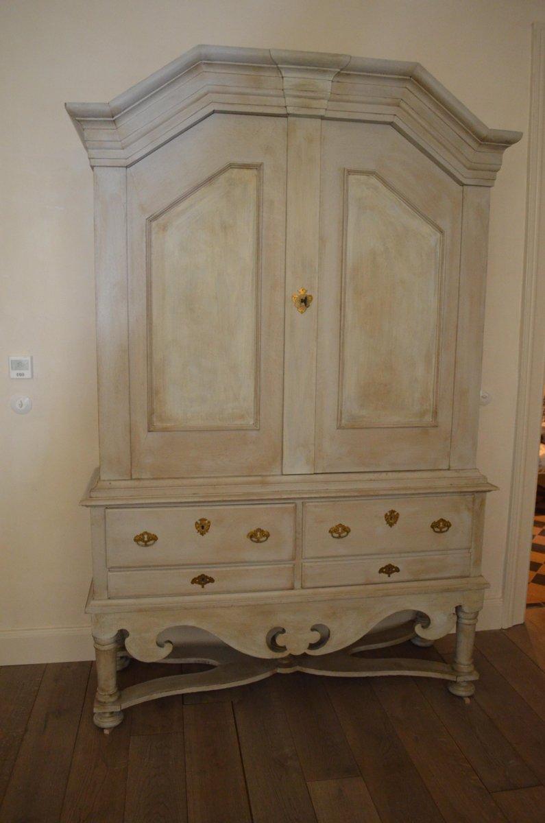 grand meuble de rangement antique baroque su de en vente sur pamono. Black Bedroom Furniture Sets. Home Design Ideas
