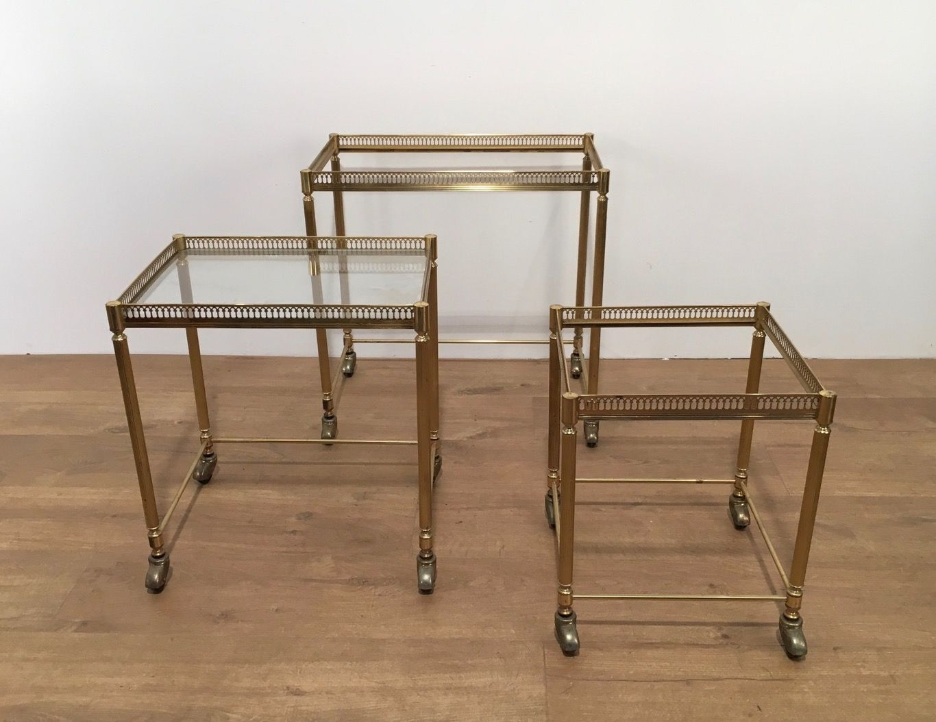 Amazing photo of Gilded Nesting Tables on Wheels 1950s Set of 3 for sale at Pamono with #45301B color and 1366x1054 pixels