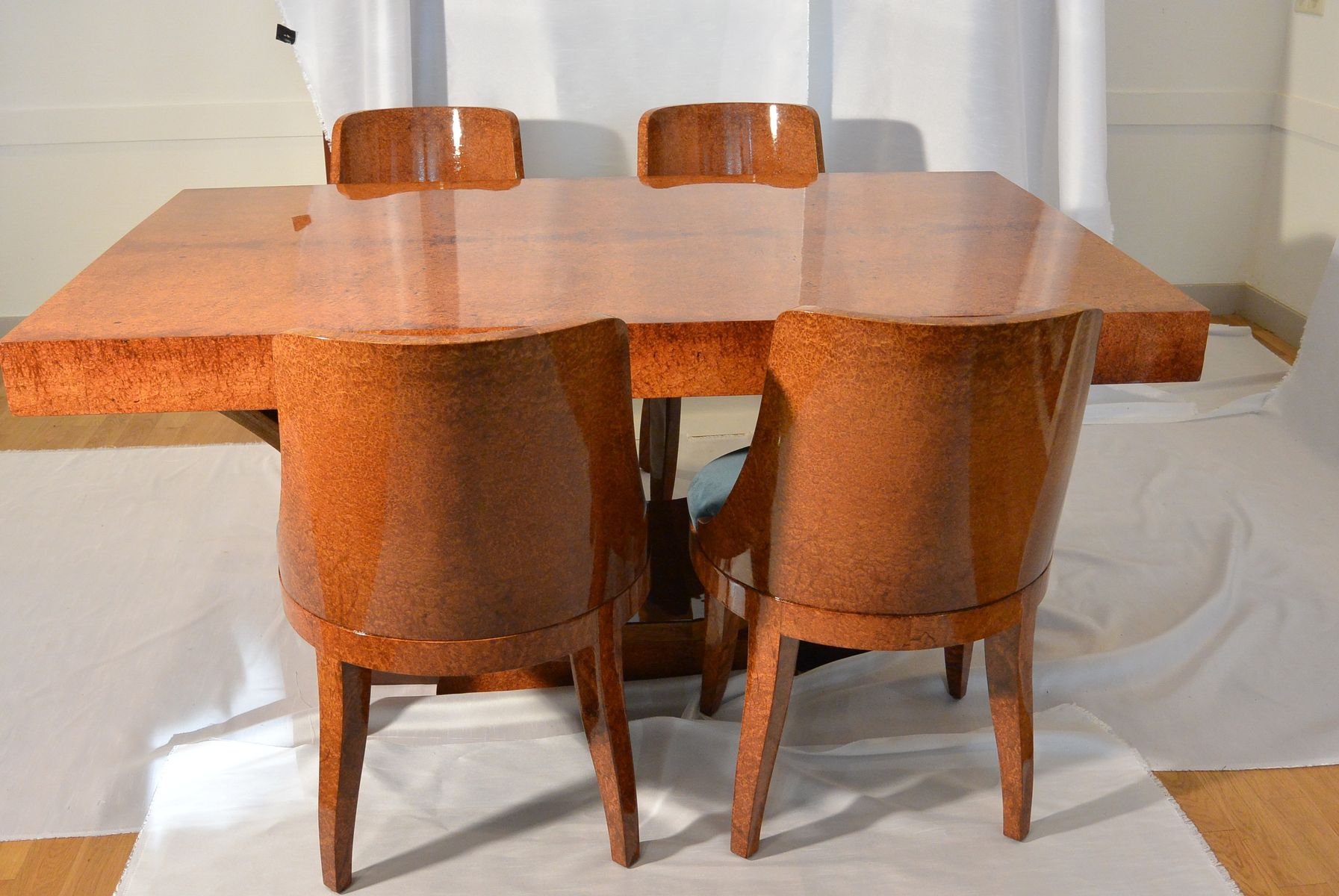 French Art Deco Ambonya Veneer Table 1920s for sale at Pamono
