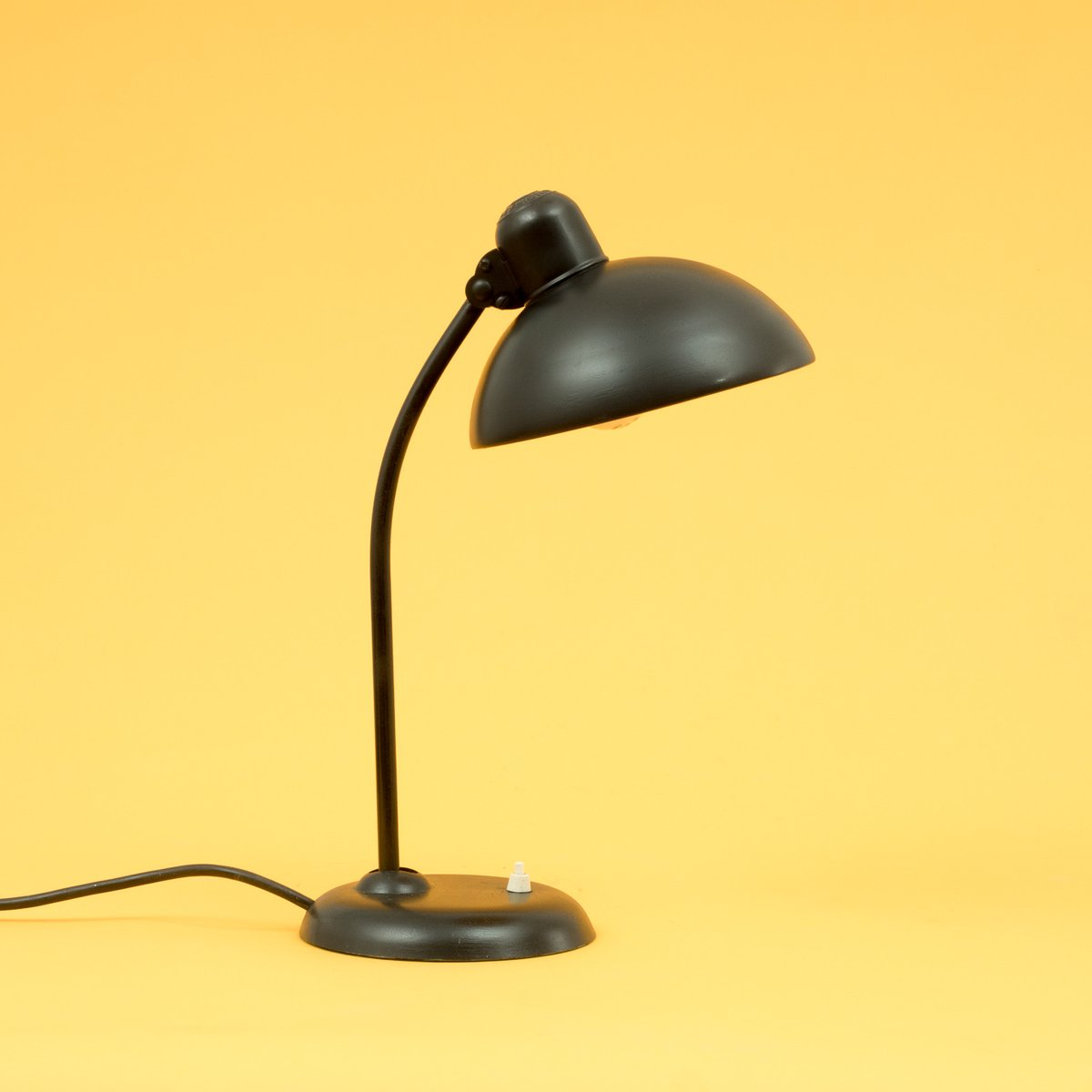 vintage 6556 bauhaus lamp from kaiser idell for sale at pamono. Black Bedroom Furniture Sets. Home Design Ideas
