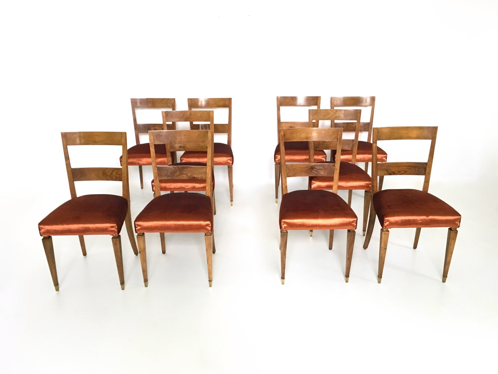 Vintage walnut dining chairs set of 10 for sale at pamono for Dining room 10 chairs