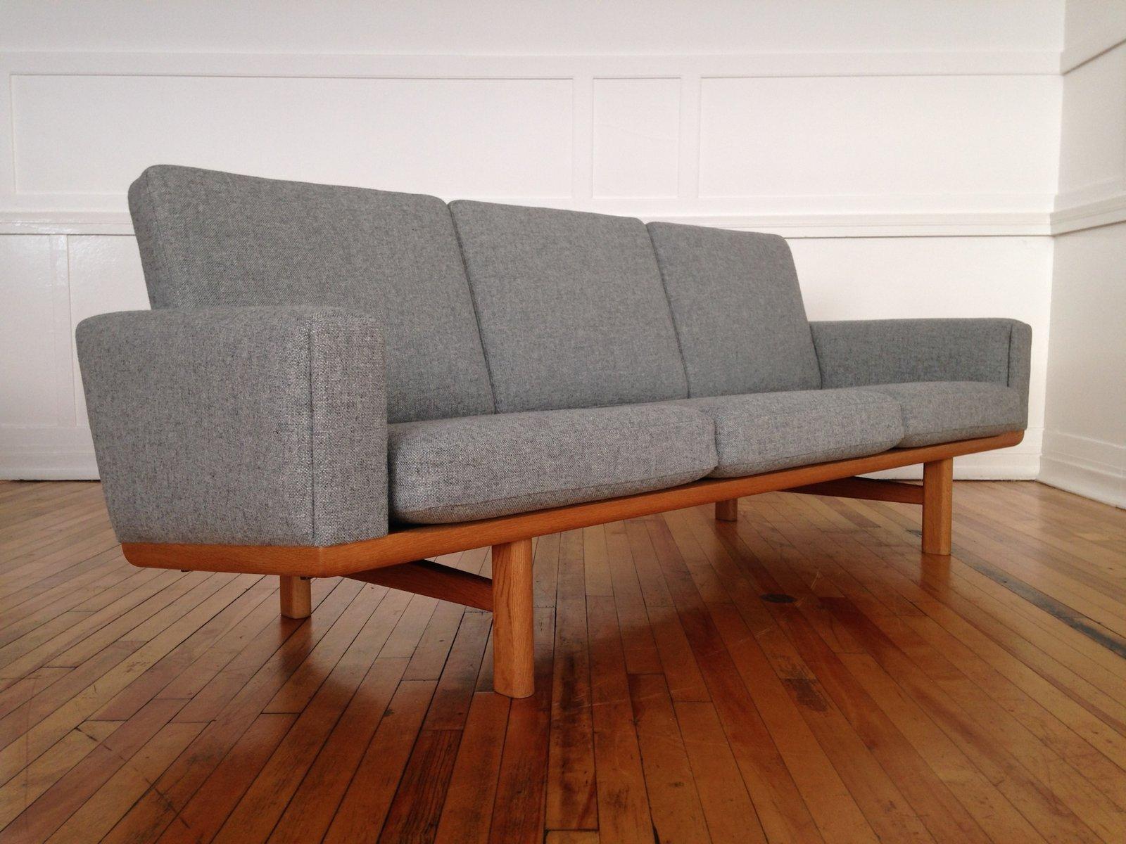 mid century danish oak kvadrat wool sofa model ge236 by hans wegner for getama for sale at pamono. Black Bedroom Furniture Sets. Home Design Ideas