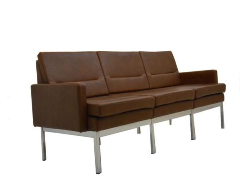 kunstleder sofa aus frankreich 1960er bei pamono kaufen. Black Bedroom Furniture Sets. Home Design Ideas