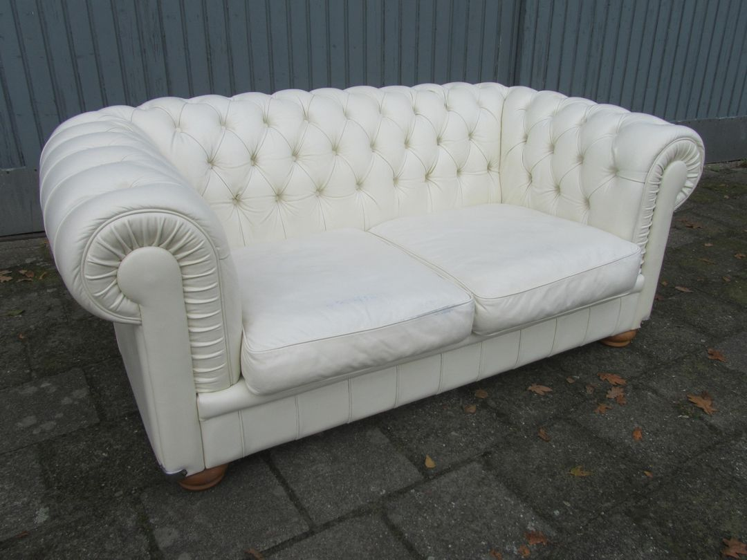 italian white leather two seater sofa from natuzzi for sale at pamono. Black Bedroom Furniture Sets. Home Design Ideas