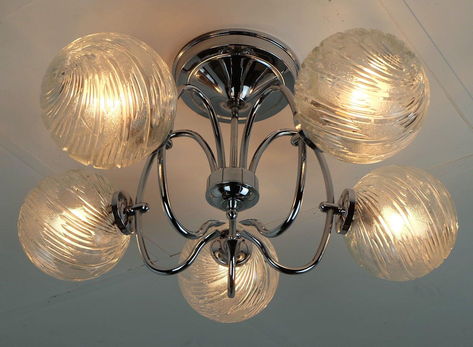 sputnik kronleuchter aus verchromten metall glas mit. Black Bedroom Furniture Sets. Home Design Ideas