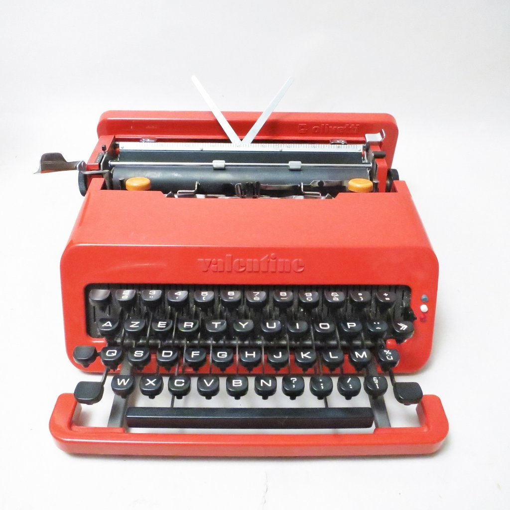 mid century valentine typewriter by ettore sottsass perry king for olivetti for sale at pamono. Black Bedroom Furniture Sets. Home Design Ideas
